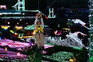 日本黑夜「閃亮樂園」.親子「戰鬥力」