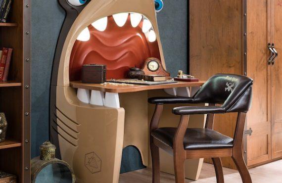 振奮「大白鯊書枱」.讀書大助力