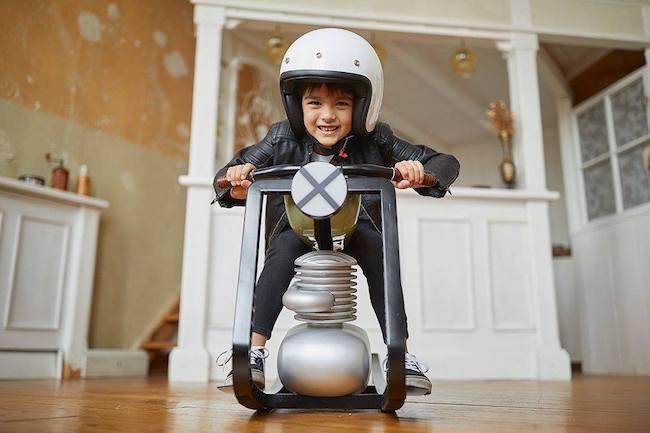 幼兒搖搖「電單車」.超型登場