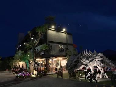 「鋼鐵」Cafe+民宿.重量級親子