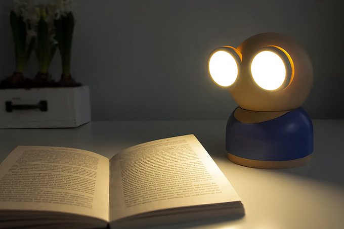 一家人「變臉」枱燈・要光